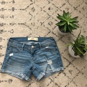 "Hollister Midi Short (4"" seam) size 3"